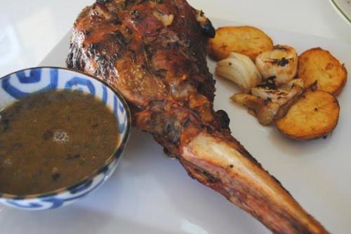 paletilla-cordero-al-horno-salsa-miel-menta-L-Pj6mZC